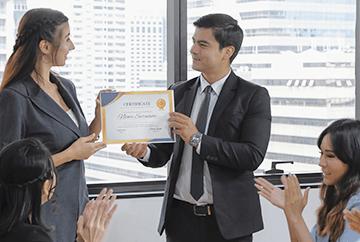 Certyfikaty potwierdzające zdobyte umiejętności podczas szkoleń